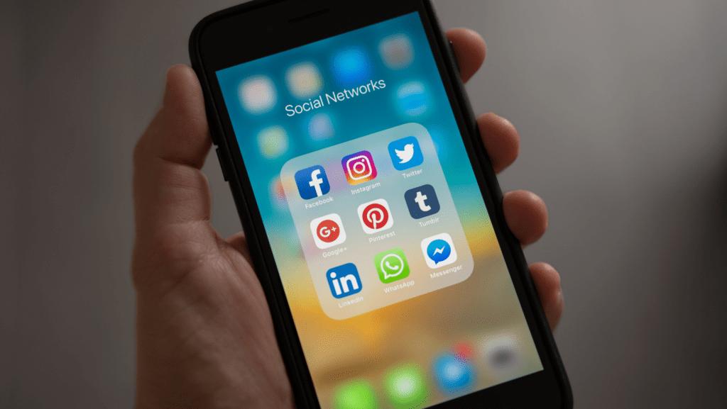 Franquia-Santa-Carga-Modernidade-redes-sociais